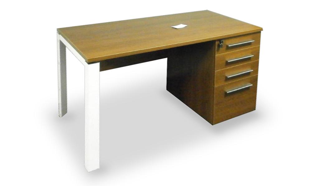 E Half 5 Ft Work Desk