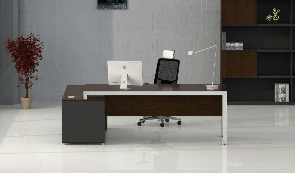 Modern Office Table In Steel & Black Glass: Boss's Cabin